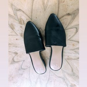 A new day pointed black flats
